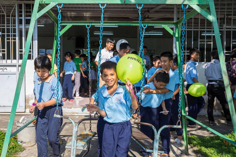 NGO documentary photography hear the world binh dang2
