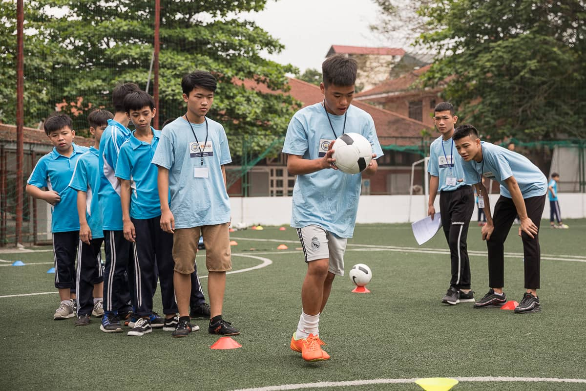 Vietnam Manchester City Cityzens giving young leaders 13