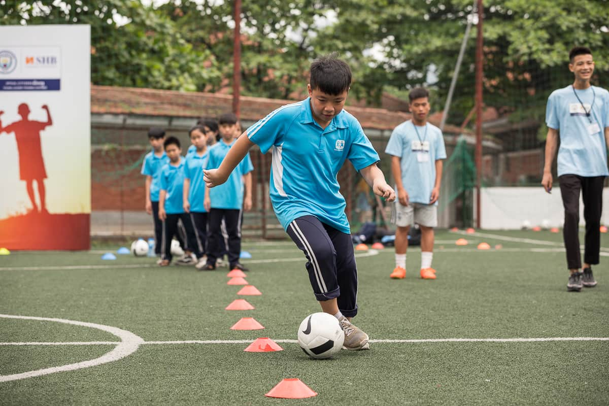 Vietnam Manchester City Cityzens giving young leaders 16