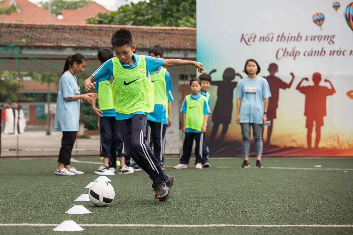 Vietnam Manchester City Cityzens giving young leaders 18