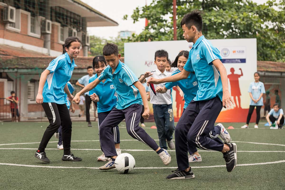 Vietnam Manchester City Cityzens giving young leaders 26