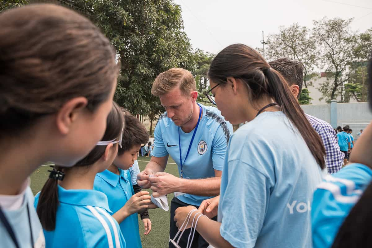 Vietnam Manchester City Cityzens giving young leaders 27